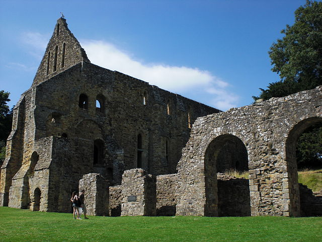 Battle Abbey (by Operarius; Wikimedia Commons)
